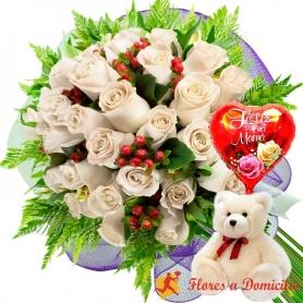 Ramo de 24 Rosas Blancas más Globo día de la Madre y Peluche