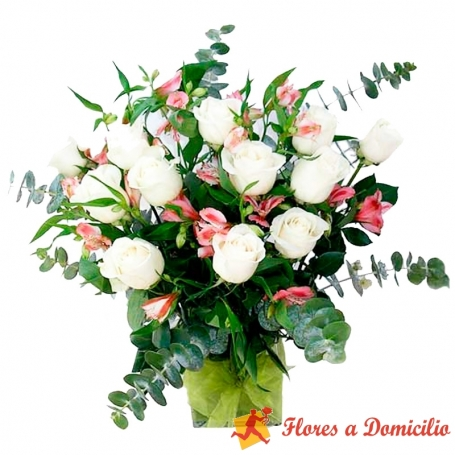 Florero con 12 Rosas Blancas