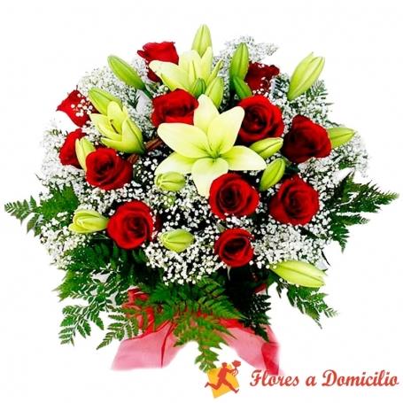 Canastillo de 12 Rosas y Liliums