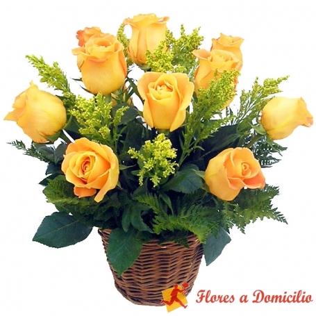 Canastillo de 12 Rosas Amarillas Importadas