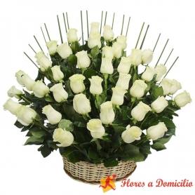 Canastillo Grande con 40 Rosas Blancas