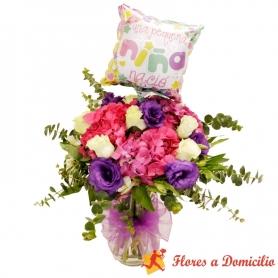 Florero Nacimiento con Hortensias y Rosas + Globo es una Niña