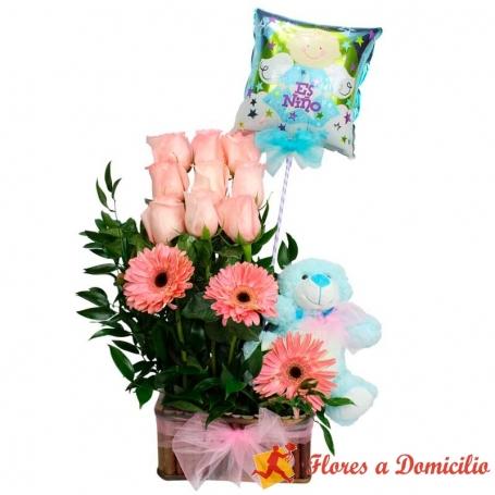 Canastillo Nacimiento con 9 rosas más gerberas y globo es un Nene