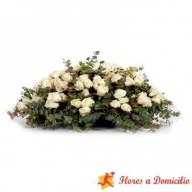 Ovalo de 50 rosas Blancas para Condolencia