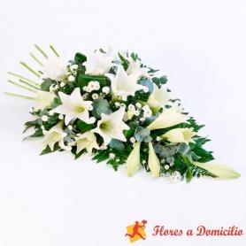 Cubre Urna de flores con 15 Liliums Blancos