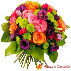 Ramo de Flores Con Lisianthus Morados más Flores mix en Tonos Fucsia