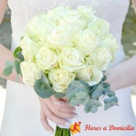 Ramo de Novia Rosas Blancas del Bosque