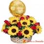 Canastillo Gigante para Aniversario con Girasoles y Rosas Rojas más Globo