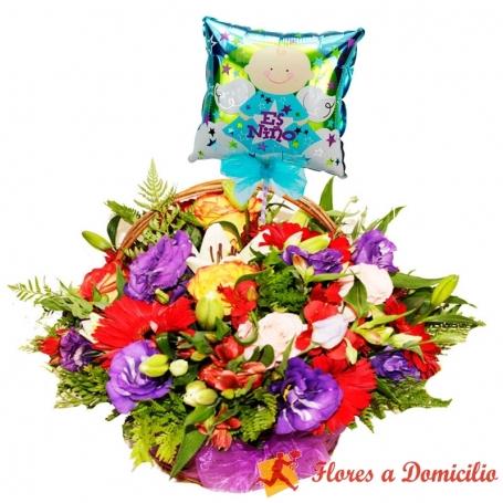 Hermoso Canastillo Para Nacimiento con Rosas y Flores mix más un Globo es un Niño