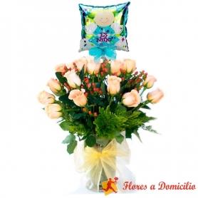 Florero con 24 Rosas Damasco para Nacimiento + Globo es un Niño
