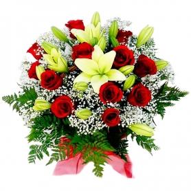 Canastillo Mediano de Condolencias 12 Rosas Rojas Liliums