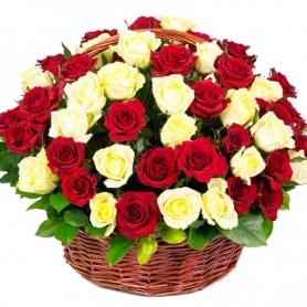 Canastillo de Condolencias Grande Redondo 50 Rosas Blancas y Rojas
