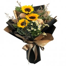 Ramo de 3 Girasoles Más flores Rusticas