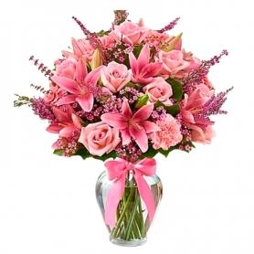 Florero con 10 Liliums rosados más 10 Rosas Rosadas y limonios rosados