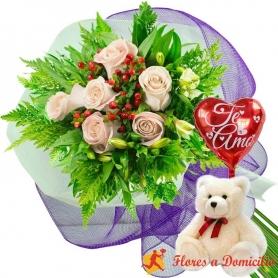 Ramo de 6 Rosas Blancas más Peluche y Globo TE AMO